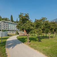 HOODY ACTIVE & HAPPINESS HOTEL, viešbutis Arke