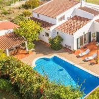 Villa Cedro Ouro - Traditional Portuguese 4 Bedroom Villa in Quiet Area - Private Heated Swimming Po