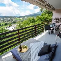 - Panoramablick Apartment - Dampfbad, Aussenbett & PingPong, hotel in Flims