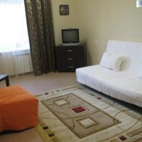 Квартира в 500м от аэропорта Толмачёво., hotel near Tolmachevo Airport - OVB, Ob