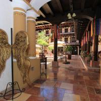 Plaza San Cristóbal Inn