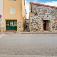 Large linked holiday home in the center of Sant Pere Pescador