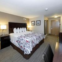 Red Roof Inn & Suites Newburgh - Stewart Airport, hotel near Stewart Airport - SWF, New Windsor