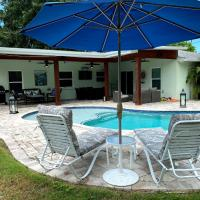 Gorgeous Oasis Pool Villa Minutes from the Beaches of Anna Maria Island