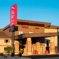 Red Roof Inn PLUS+ & Suites Malone, hotel in Malone