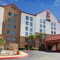 Red Roof Inn PLUS+ San Antonio Downtown - Riverwalk, hotel in San Antonio