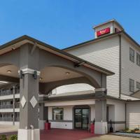 Red Roof Inn PLUS + Galveston - Beachfront, hotel in Galveston