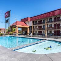 Red Roof Inn & Suites Pigeon Forge Parkway