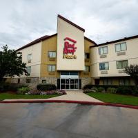 Red Roof Inn PLUS+ Houston - Energy Corridor, отель в Хьюстоне
