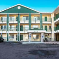 HomeTowne Studios by Red Roof Colorado Springs - Airport, hotel in Colorado Springs