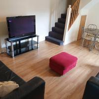 4 bedrooms with 6 single beds, Cheltenham centre