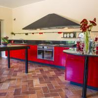 Villa Eos, summer relax you deserve surrounded by nature, hotell i Montemaggiore al Metauro