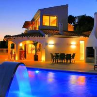 Villa Increible - 5 bedroom luxury villa - Great pool and terrace area with stunning sea views