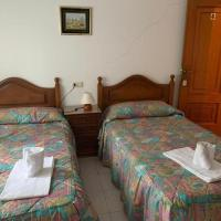Room in Guest room - Hostal restaurante Seoane