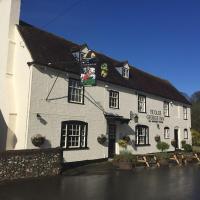 Ye Olde George Inn - Badger Pubs, hotel in Privett