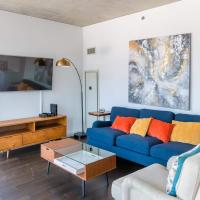2BR Modern Glass Loft w/ In&Out Parking, Pool, Gym and Balcony by ENVITAE