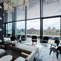 citizenM Tower of London, hotel in London