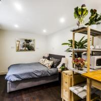 Recently renovated studio flat in trendy Brixton