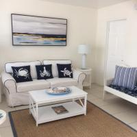 Gorgeous Beachy Chic Condo in Key Biscayne, hotel in Miami