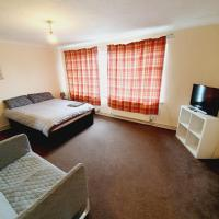 3 Bedroom Thundersley Apartment