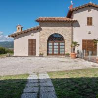 Splendid Mansion in Sant'Angelo in Vado with Pool
