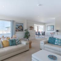 Llanddwyn Penthouse Holiday Apartment