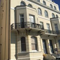 Stylish sea view flat 8 in Grade 2 listed house