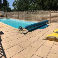 Spacious house, jacuzzi, swimming pool, garden, comfort near tourist sites