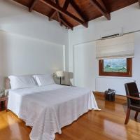 Luxury Crete Villa Villa Malvazia Beautiful 4 Bedroom Villa Private Pool Gym Keramoutsiou, ξενοδοχείο σε Kermoútsi