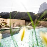 Hotel Touring Dolomites
