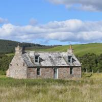 Refurbished Luxury Eco Cairngorms Stone Farmhouse