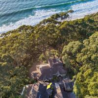 Where The Forest Meets The Sea 4pm Check Out Sundays, hotel in Hyams Beach