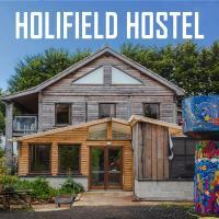 Holifield Farm Hostel, hotel in Helston