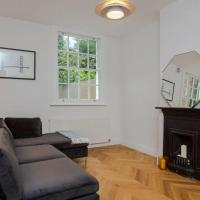 Chic and Modern 2 Bedroom Flat in Battersea