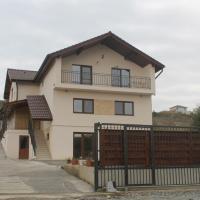 Giulia Home, hotel din Dezmir