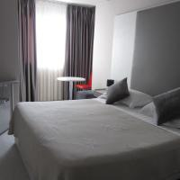 Freddy's Hotel, hotel in Tirana