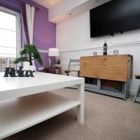 OPP Apartments - Contractors and workers, King bed, Harbour front, Parking, WiFi, Smart Tvs