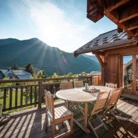 Chalet Hibou, large chalet with mountain views and close to slopes