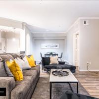 Cozy Modern Uptown apartment with Attached Garage