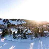 Lapland Hotels Ounasvaara Chalets, hotel di Rovaniemi