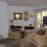 Light and bright apartment: 2 Double bedrooms with ensuite facilities