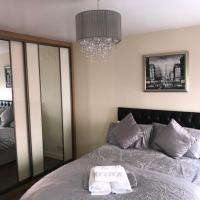 Trinity Apartments - 2c 1-Bed Apt King or Twin Beds, hotel near Waterford Airport - WAT, Waterford
