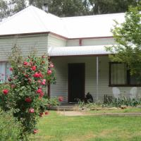 Acacia Cottage, hotel in Tumbarumba
