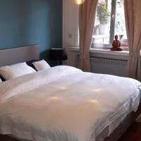 Room2Rent, hotel in Heist-op-den-Berg