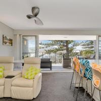 Beachfront Apartment - Sand Surf & Waves, hotel in Deewhy