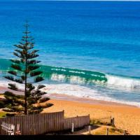 Beachfront Family Apartment, hotel in Narrabeen