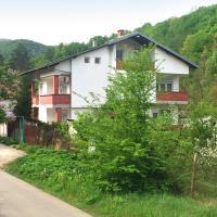 """Къща за гости """"Горски кът"""", hotel in Gabrovo"""