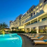 Crowne Plaza Muscat OCEC, an IHG Hotel, hotel in Masqat