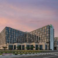 Staybridge Suites Dubai Al-Maktoum Airport, hotel near Al Maktoum International Airport - DWC, Dubai