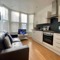 2 Bedroom Apartment Near City Centre, Uni & Parks!